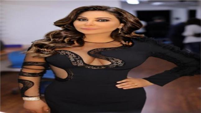 الفنان اليسا تنهي حفلتها الأون لاين في السعودية
