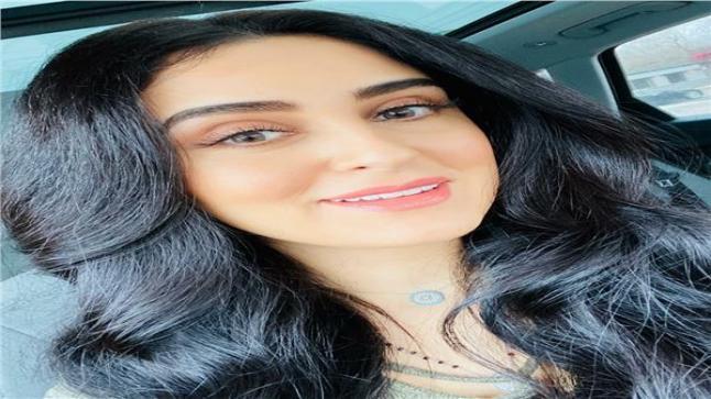 الإعلامية دينا المصري تقوم ببدء التسجيل في حلقات سكر بنات